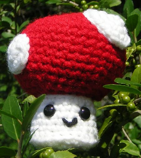Crocheted_mushroom